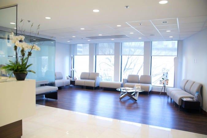 Réception de la clinique de chirurgie esthétique Clinique K