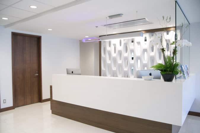 Réception et accueil de la clinique de chirurgie esthétique Clinique K